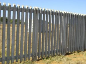 Concrete Palisade Fences Boven